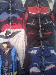 Лыжные костюмы, спортивные костюмы, куртки, пуховики, трико, комбинезеноны